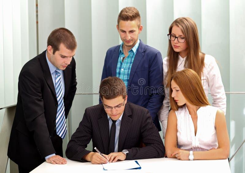 Firma del contratto immagine stock