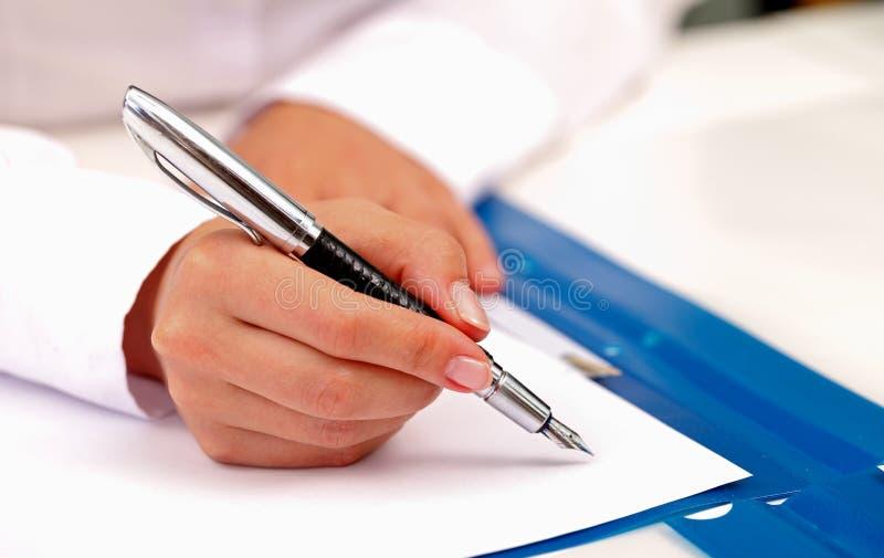 Firma del contratto fotografia stock libera da diritti