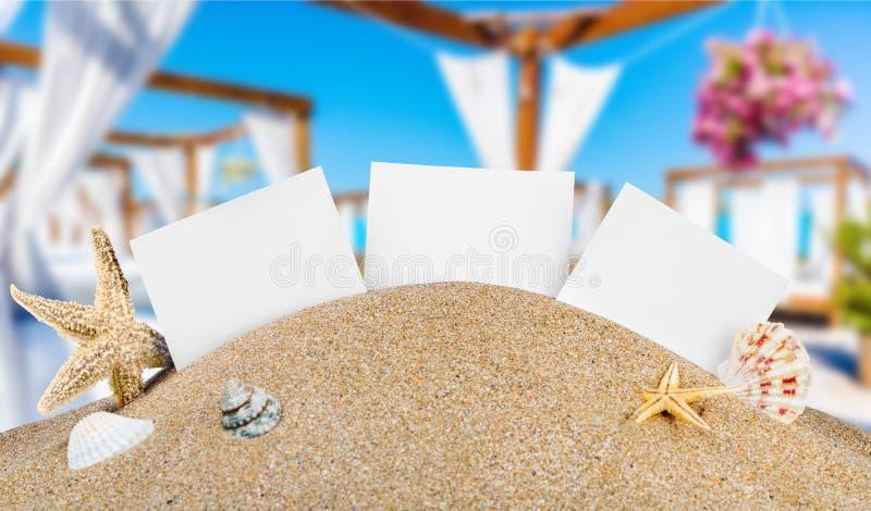 Firma dentro la sabbia immagine stock