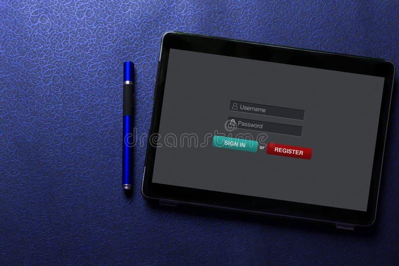 Firme adentro el concepto de la contraseña del username de la calidad de miembro en la pantalla de la tableta con la pluma azul e fotos de archivo