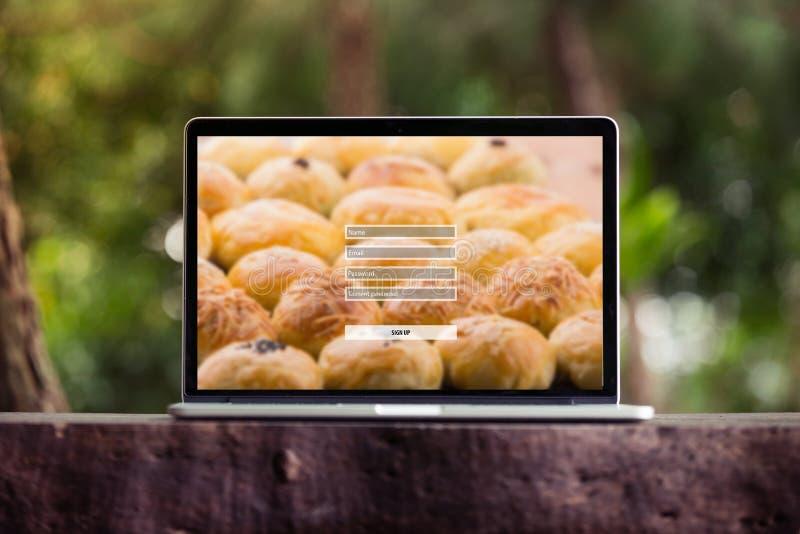 Firme para arriba el concepto de la protección del inicio de sesión de la contraseña del username en el ordenador portátil/la pan foto de archivo