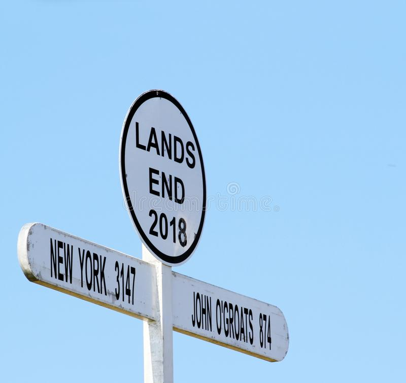 Firmi dentro l'area di conclusione del ` s della terra, Cornovaglia, Inghilterra, Regno Unito fotografia stock libera da diritti