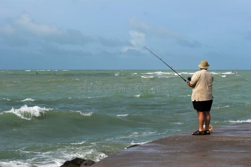 Fischen-Ozeanufer stockfotografie