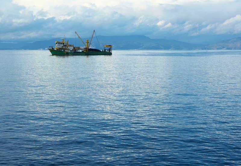 Fischen-Schleppnetzfischer lizenzfreies stockbild