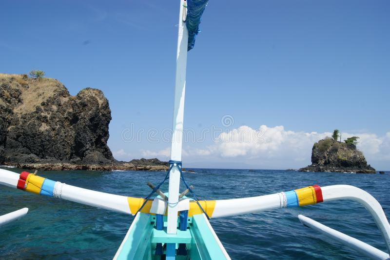 Fischen-Trimaran in Bali, Indonesien lizenzfreie stockfotografie