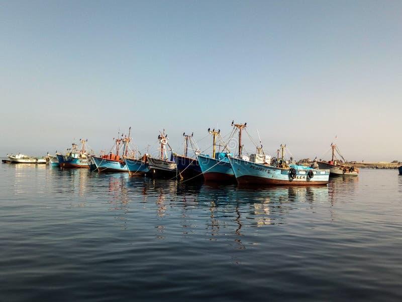 Download Fischerboot stockfoto. Bild von harmonie, ozean, fischer - 106801960