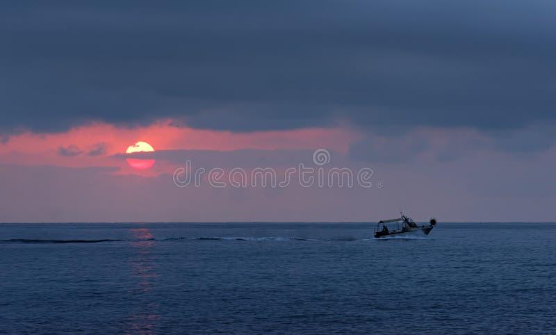 Fischerboot Im Mittelmeer