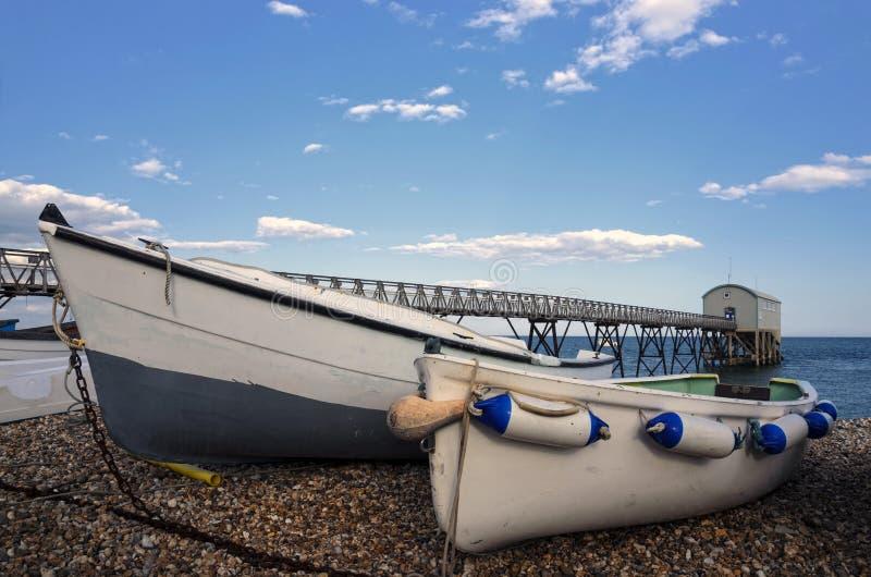 Fischerboote bei Selsey Bill lizenzfreies stockbild