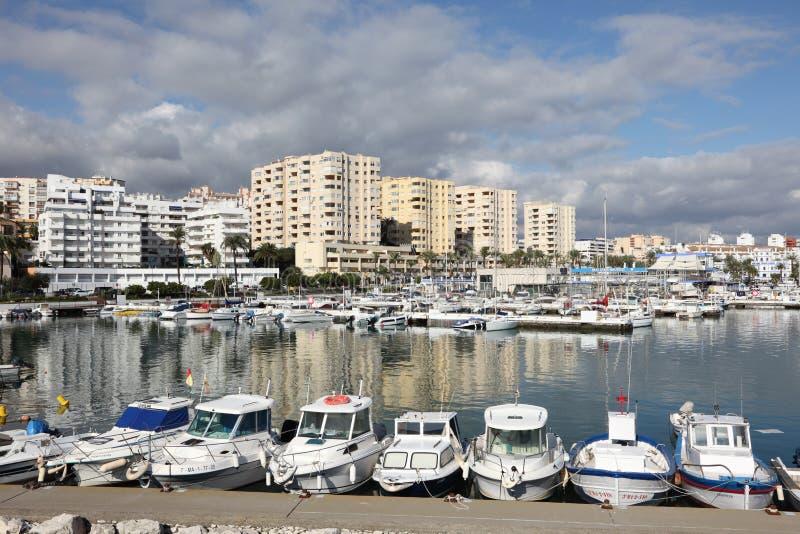 Fischerboote in Estepona, Spanien lizenzfreie stockbilder