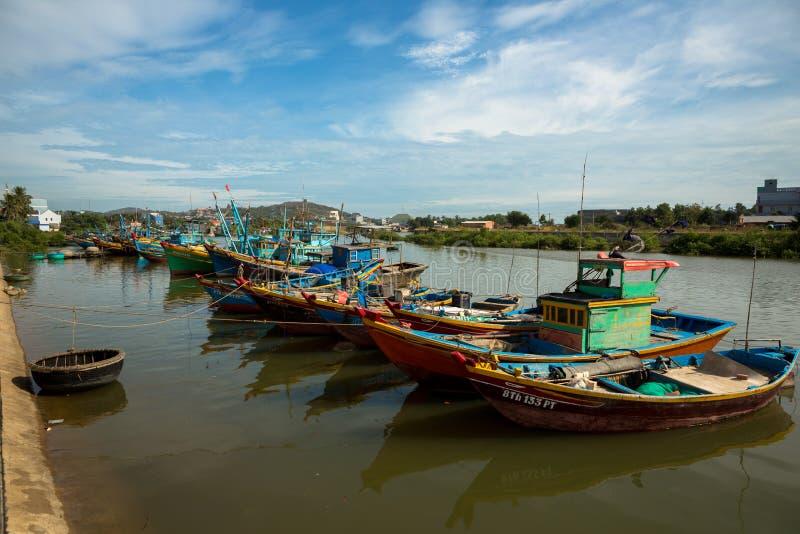 Fischerboote in Mui Ne stockfotografie
