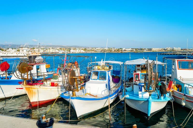 Fischerboote, Paphos-Hafen, Zypern stockbild