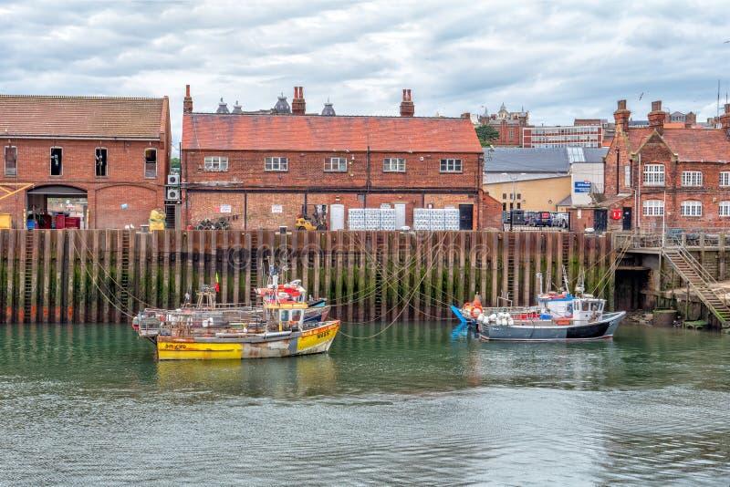 Fischerboote, Scarborough-Hafen, Yorkshire, England lizenzfreie stockfotografie