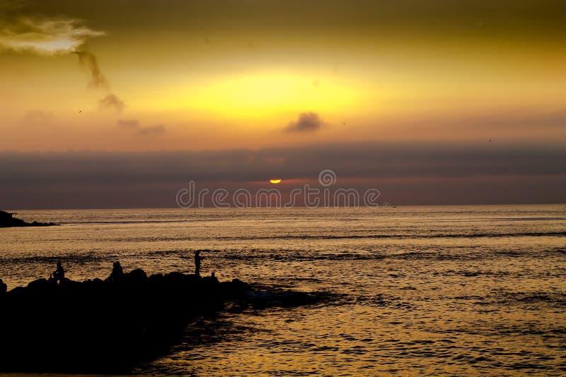 Fischerei der Sonne lizenzfreie stockfotografie