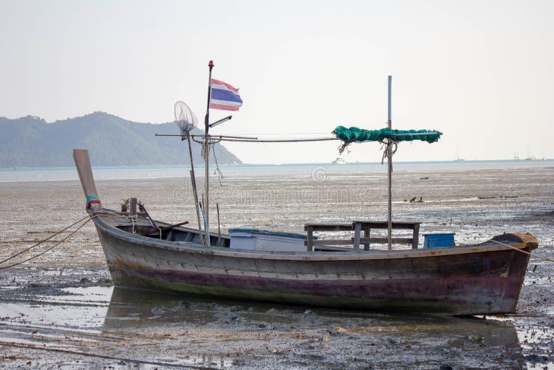 Fischerei des gesetzten Hintergrundes des thailändischen Bootes stockfoto