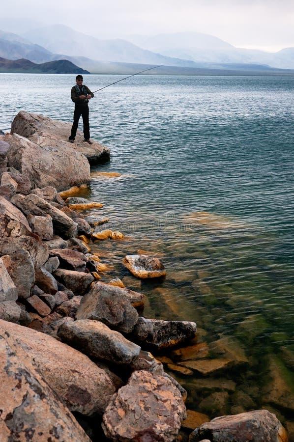 Fischerei in Mongolei lizenzfreie stockfotografie