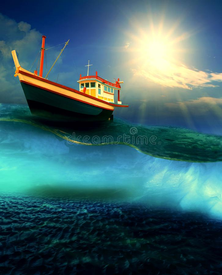 Fischereiboot, das auf drastisches Ozeanniveau schwimmt lizenzfreie stockbilder