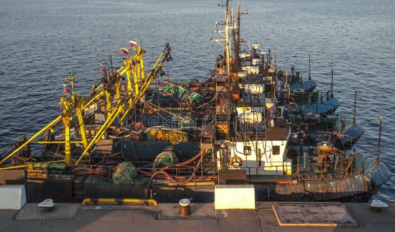 Fischereifahrzeug Parken stockbilder