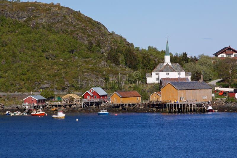 Download Fischereihafen in Moskenes stockfoto. Bild von draußen - 26353978