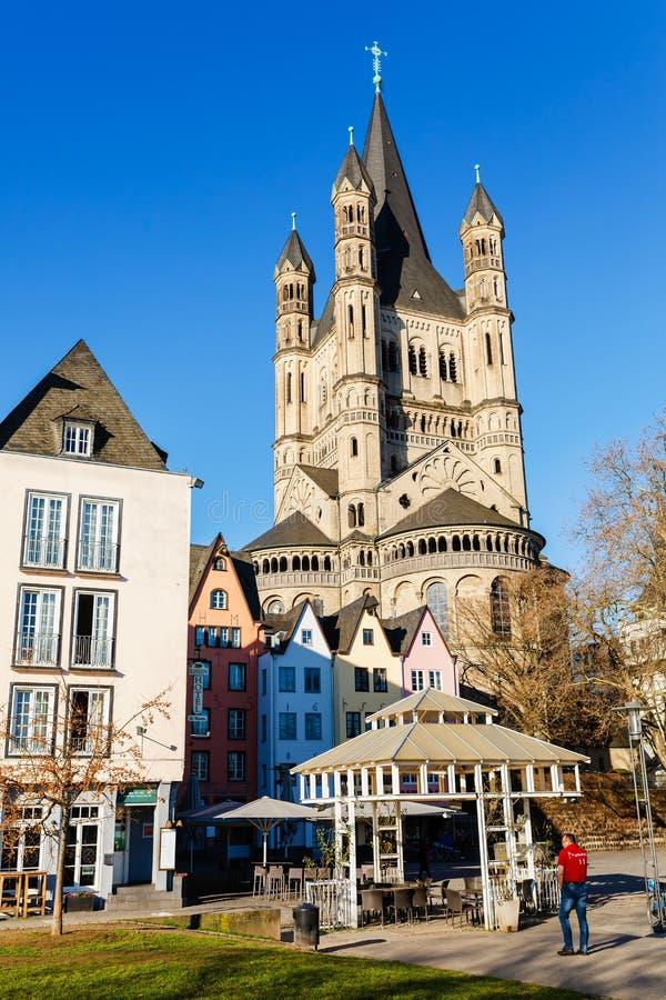 Fischmarkt mit Kirche grobes St Martin, Köln, Deutschland lizenzfreie stockbilder