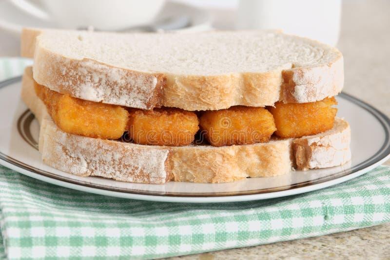 Fischstäbchen-Sandwich stockbilder