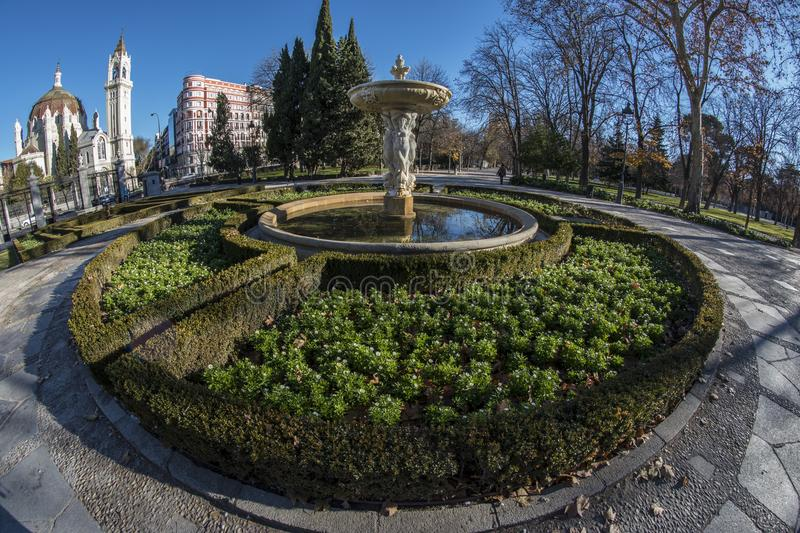 Fish-eye view 180 of a fountain in the Retiro park in Madrid cit. Y, Spain stock images