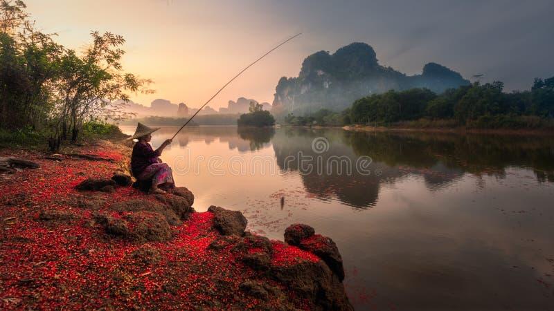 Fisher在Krabi,泰国 库存照片
