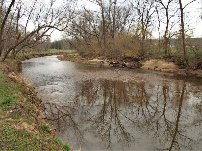 Fisher River Park i Dobson, North Carolina arkivbild