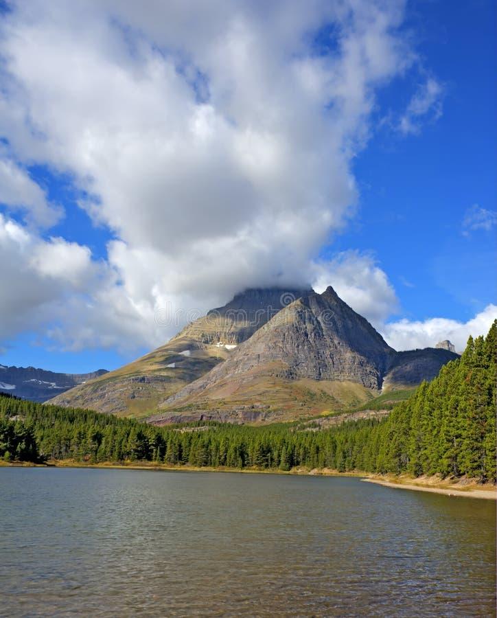 Fishercap sjö i många glaciär royaltyfri fotografi