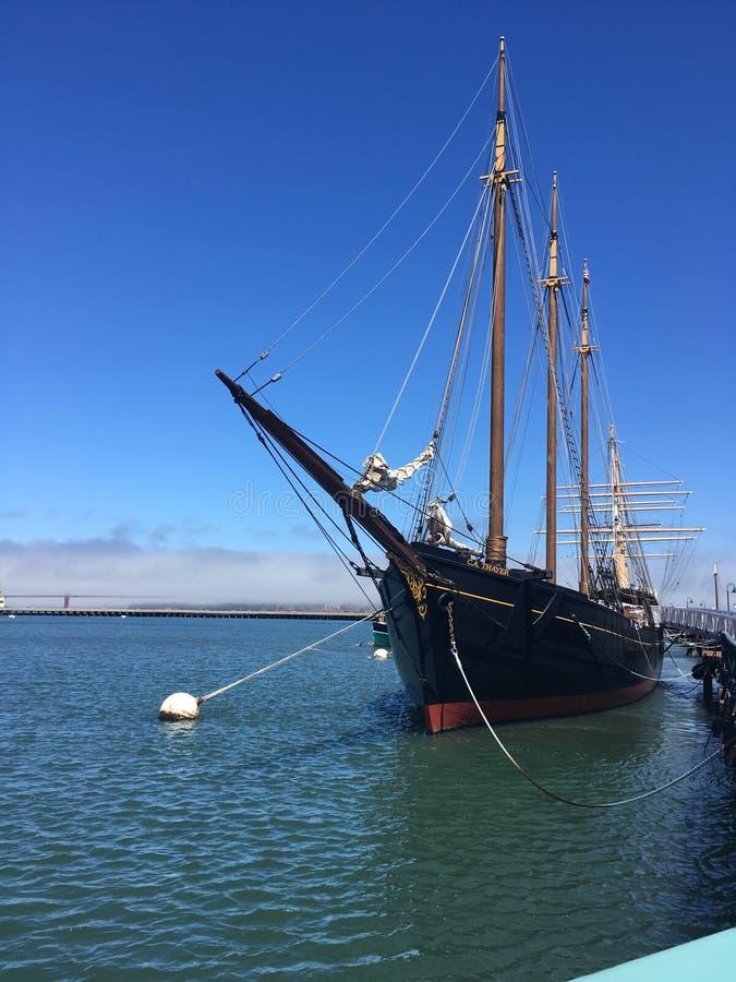 Fisherman& x27 ; navire amiral de baie de s images libres de droits