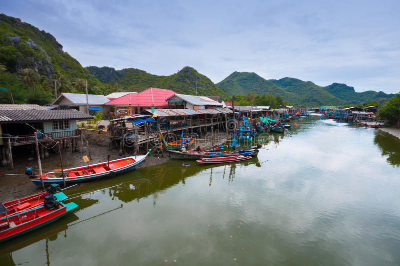 Download Fisherman's Village In Thailand Stock Image - Image of exterior, ship: 24675785