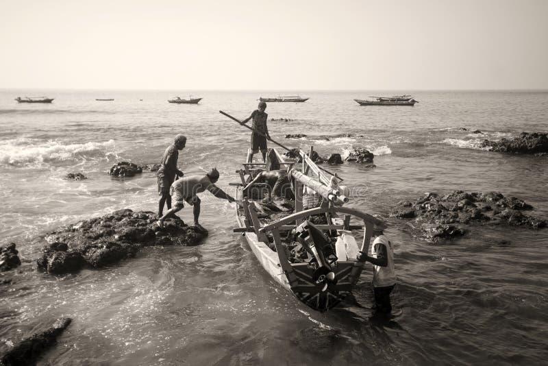 Fishermans (Lamalera, Indonesien) royaltyfri bild