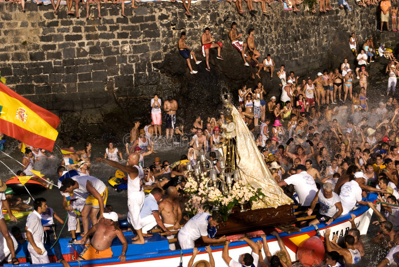 Fishermen and Virgen del Carmen 3