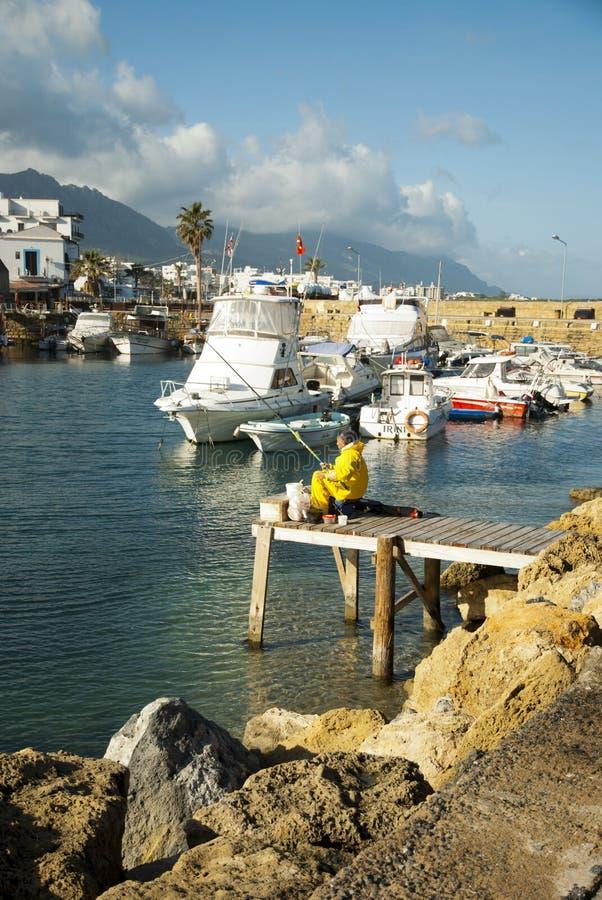 Download Fishers na schronieniu zdjęcie stock editorial. Obraz złożonej z śródziemnomorski - 28951863