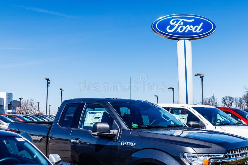 Fishers - Około Marzec 2018: Miejscowego Ford ciężarówki i samochodu przedstawicielstwo handlowe Ford sprzedaje produkty pod Linc fotografia stock