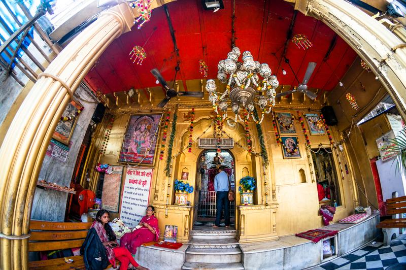 fisheye sparato dell'entrata del tempio nel chowk di chandni di Delhi immagine stock libera da diritti
