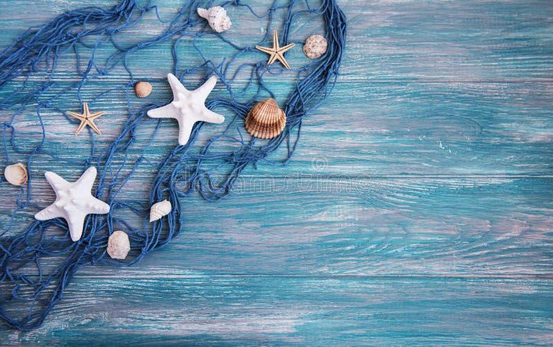 Fishing net with starfish royalty free stock photos