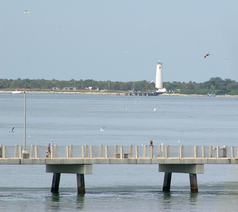 Download Fishing Pier In Early Morning Royalty Free Stock Images - Image: 1057519