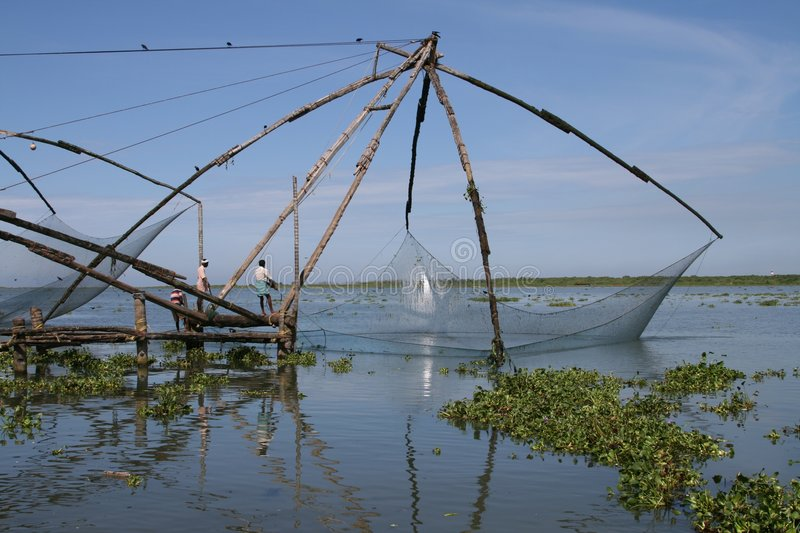 Fishingnets chineses dentro, India imagem de stock