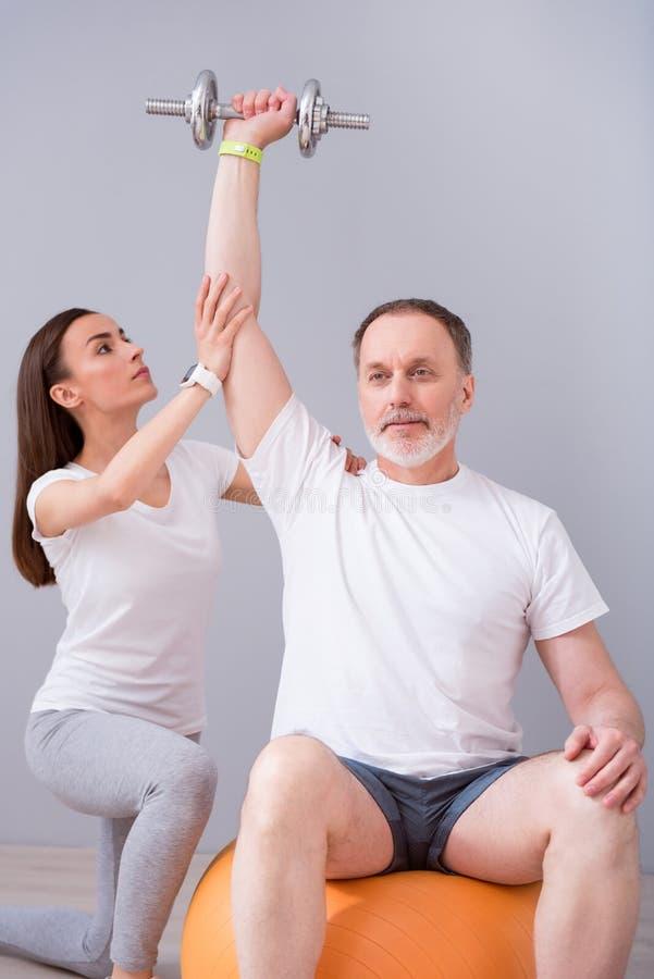 Fisioterapia moderna de la rehabilitación fotografía de archivo