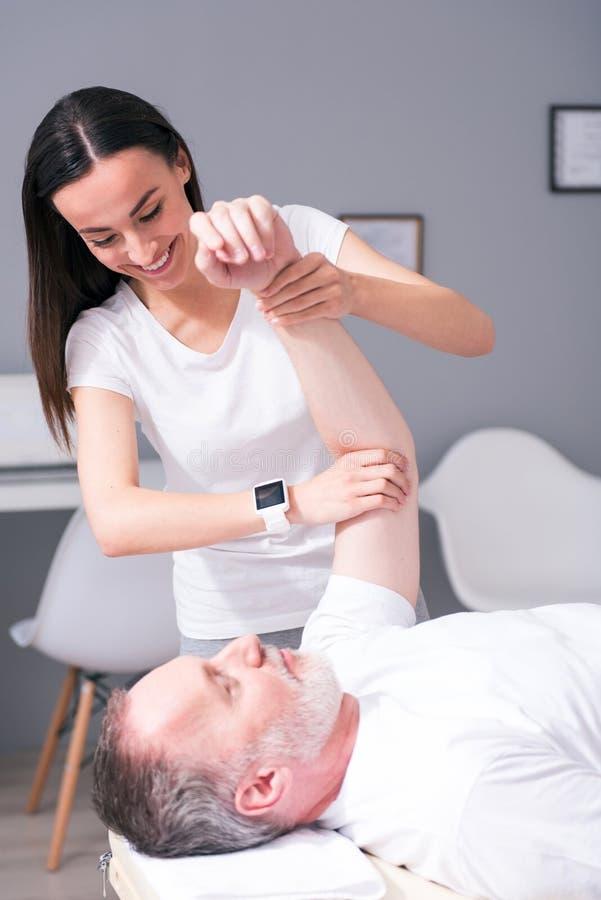 Fisioterapia moderna di riabilitazione fotografie stock libere da diritti