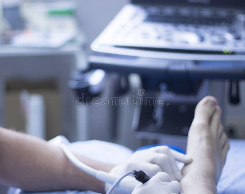 Fisioterapista di ecography EPI di ultrasuono fotografia stock