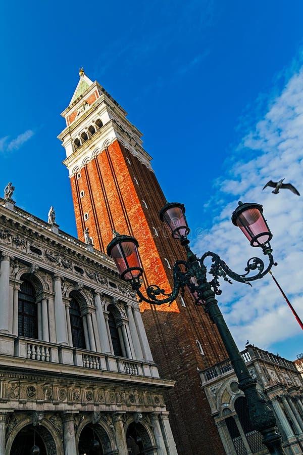 Fisk-öga sikt av den San Marco fyrkanten i Venedig, Italien 9 arkivbilder
