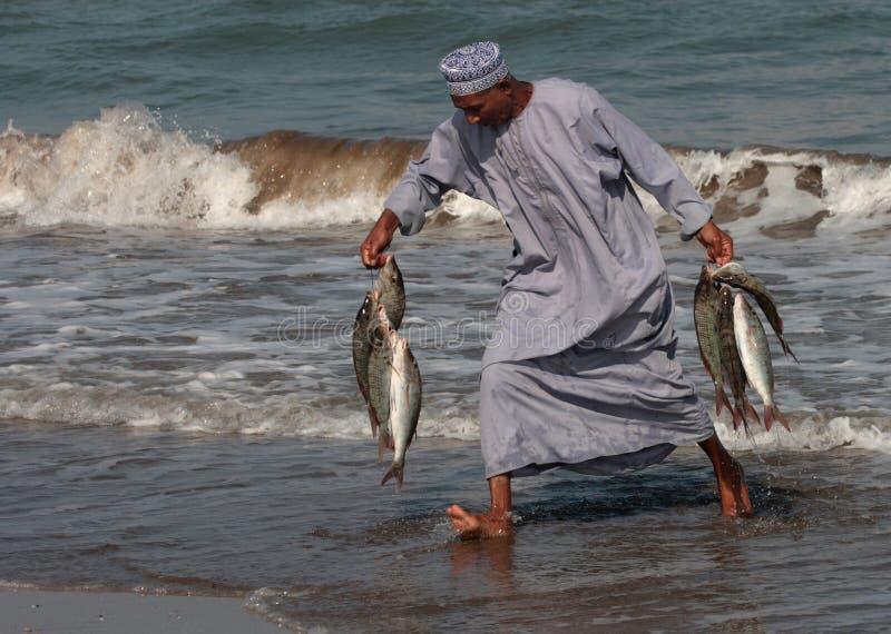 Fisk-säljare på Barka, Oman arkivbild