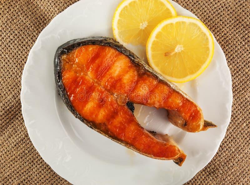 fisk stekt red arkivfoto