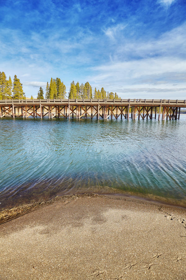 Fiska bron i den Yellowstone nationalparken, USA arkivbilder