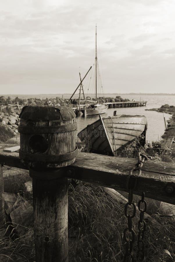 fiska gammal port royaltyfria bilder