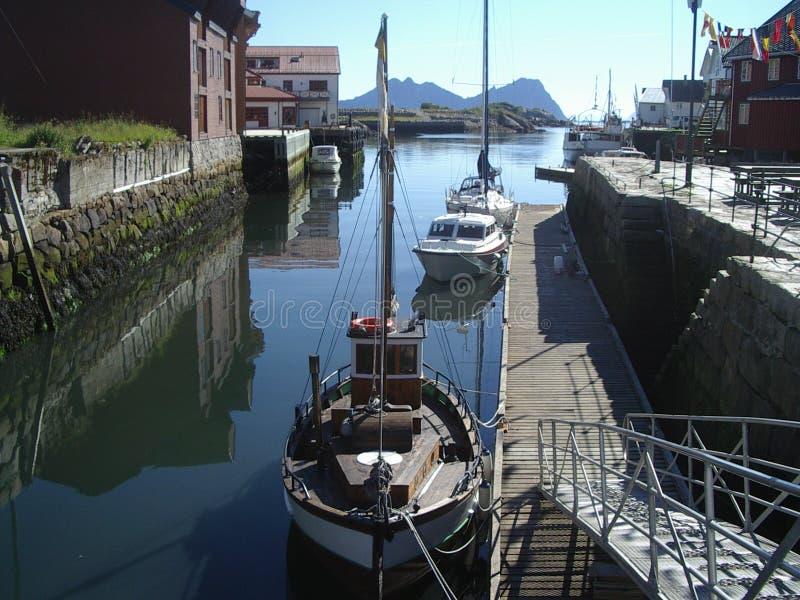 fiska hamn norway royaltyfria bilder