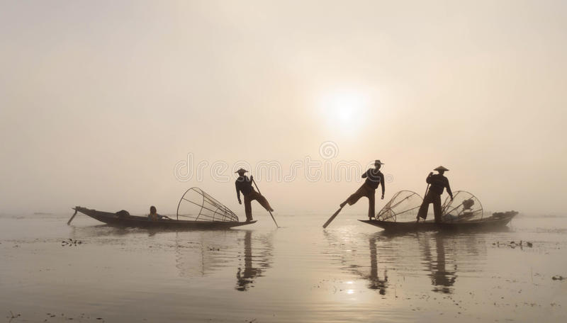 Fiskare Myanmar fotografering för bildbyråer