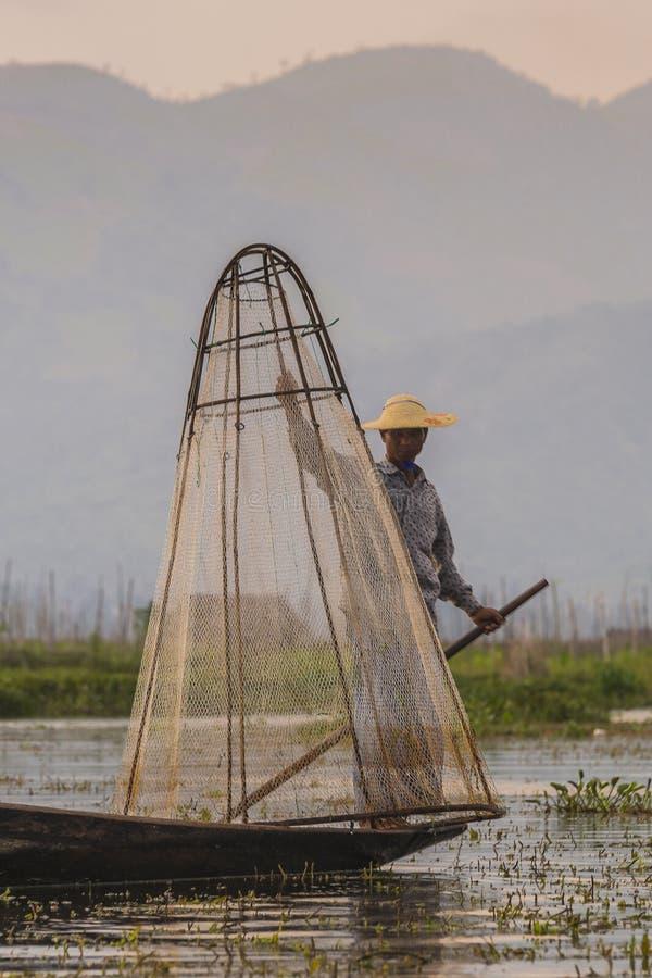 Fiskare på Inle sjön i Myanmar arkivfoto