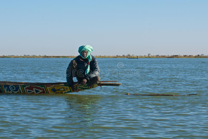 Fiskare på Nigeret River arkivbild